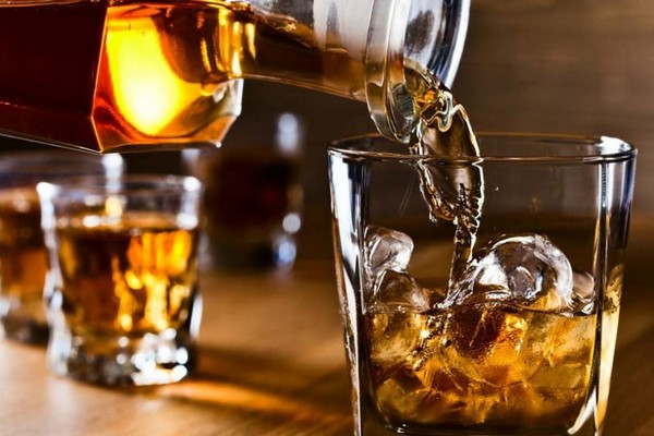 What`s the difference between whiskey, bourbon, and scotch?